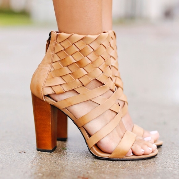 Dolce Vita Nakita Woven Leather Sandal in Brown
