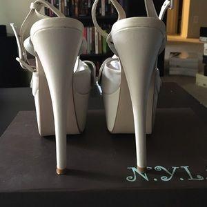 "N.Y.L.A. ""Jollie"" Nude Leather Sandal Size 8.5"