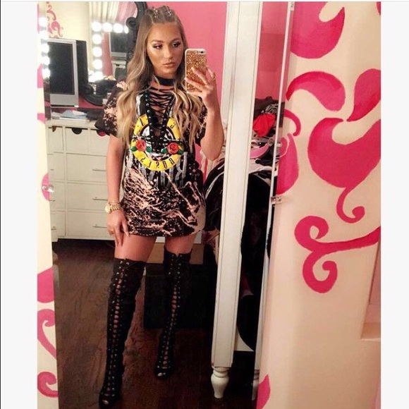 7 off tops laced up vintage tee from jada 39 s closet on for T shirt dress outfit tumblr