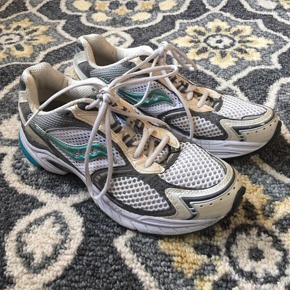 Saucony Omni 6 Running Shoe SZ 9.5