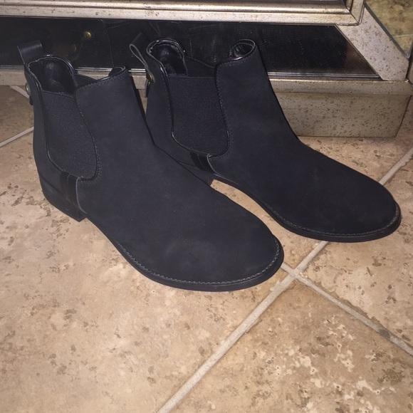 12e955f02c8 Steve Madden black flat booties