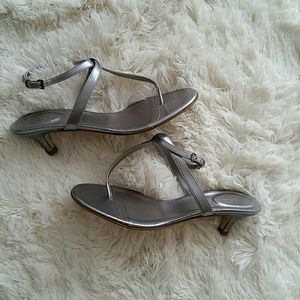 J. Crew Shoes - NWOT J CREW silver heeled thong sandals 7