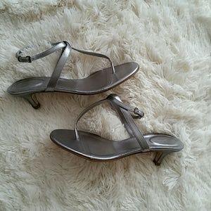 NWOT J CREW silver heeled thong sandals 7