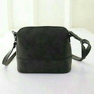 angelochekk boutique  Handbags - 🔥NWT BLACK HANDBAG RESTOCKED