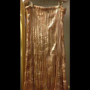 Rhonda Stark Shimmery Cream/Gold Broomstick Skirt