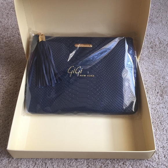GiGi New York Bags - BRAND NEW Gigi New York all in one bag in Navy