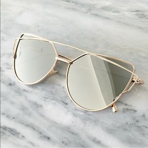Accessories - LAST 1! Mirrored sexy sunglasses silver gold