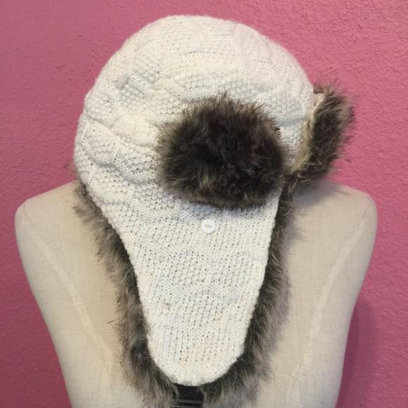 d820673d753 Accessories - Faux fur trappers hat. White