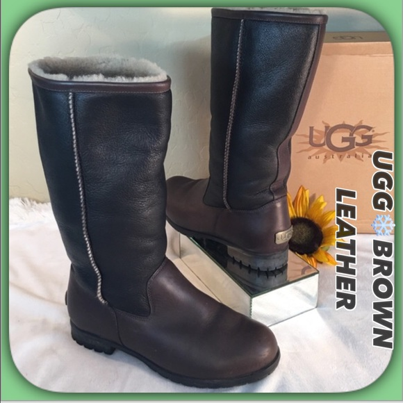 e12e4bb6583 UGG❄️ Like New Brown Distressed Leather Boots