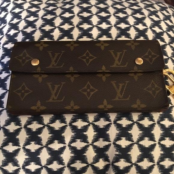 Louis Vuitton Handbags - Louis Vuitton Accordion Monogram Long Wallet 24a99078090