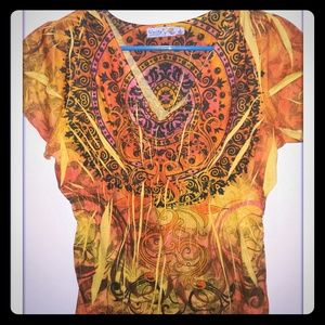 U-NI-TY Tops - Very colorful V-neck