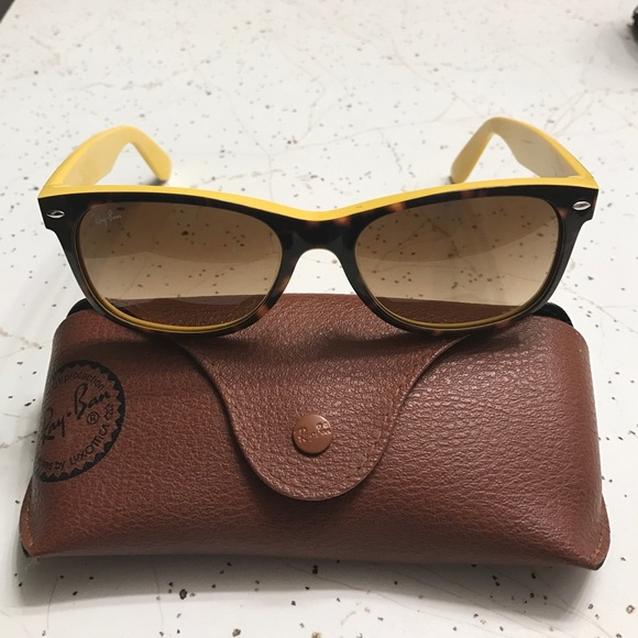 622f4b0605 Rare Ray-Ban Wayfarer with Yellow Interior. M 57de2e9499086abc7c02dcb1