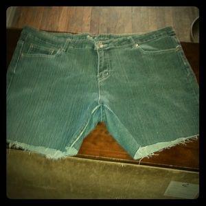 Denim - Sexy Size 22 stretchy cut off denim shorts