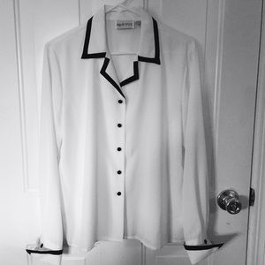 Apparenza Tops - Sale🎈Blouse by Apparenza Sz M