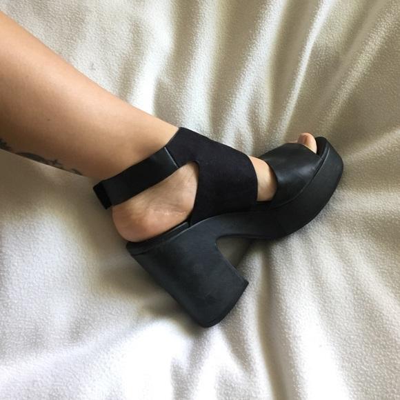 20101db47b4 H M Shoes - H M Divided chunky platform sandals