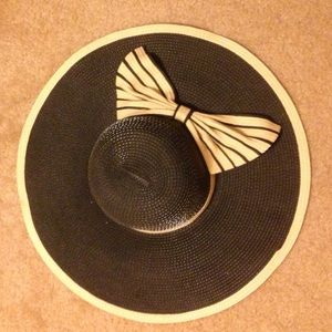 Black and Tan Floppy Hat with Bow