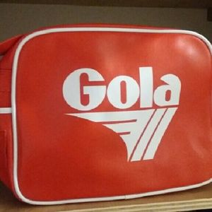 Gola Handbags - Retro travel bag.