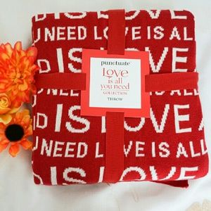 Punctuate Accessories - NEW Love Throw