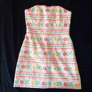 Lilly Pulitzer Dresses & Skirts - Lilly Pulitzer Embroidered Floral Strapless Dress