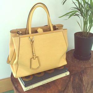 Fendi Handbags - Fendi 2 Jours Tote