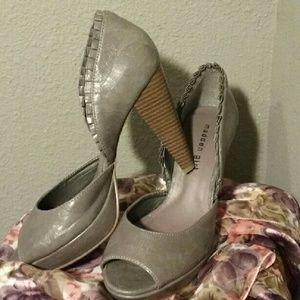 Madden Girl Shoes - Madden girl NWOT grey heels 8