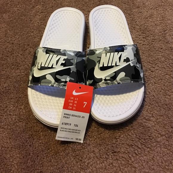 0878baed7259d9 Women s Benassi Nike Slides- size 7