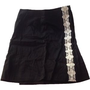 Grace Elements Dresses & Skirts - Grace Elements - size 8 -skirt black & white
