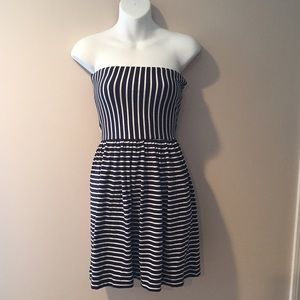 Ocean Drive Dresses & Skirts - 🆕Ocean Drive Clothing strapless dress. Size small