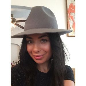 Accessories - Adorable Grey Felt Fedora!