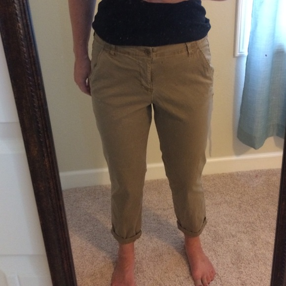 0cb226719d5c Old navy cropped straight leg chino pants. M 57df08a77fab3af06704270b
