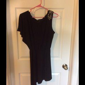 City Studio Dresses & Skirts - 💥4/$20 Black cold shoulder dress