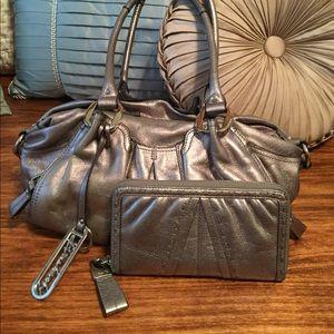B Makowsky Handbags - B Makowsky leather purse and wallet