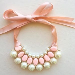 Hwl kids Other - Girl's pearl necklace!