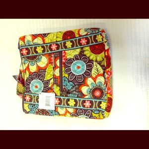 Vera Bradley New Flower Shower Hipster