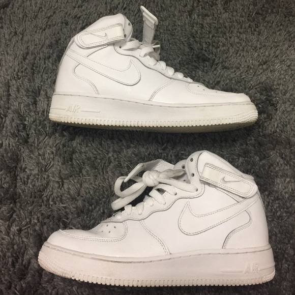 Nike Air Force 1 Mid size 7y or women's 8 8.5 9