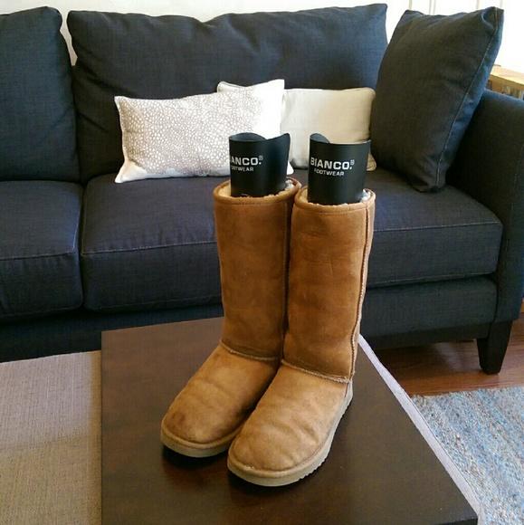 Boots - UGG Classic II Tall in tan suede. M 57dfcd06b4188e1bbb007874 3373cbd56