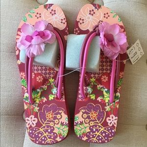 Oilily Shoes - NWT Oilily Flip-Flops size 37!!!