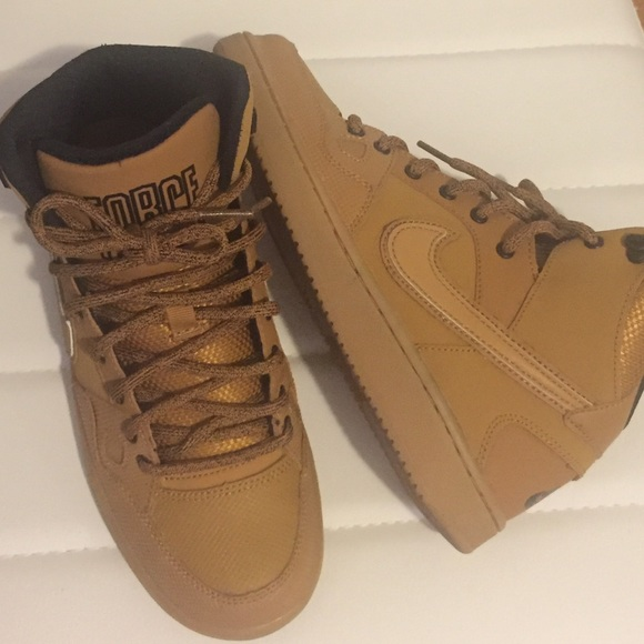meilleur site web d33c5 3d057 Nike Air Force Camel