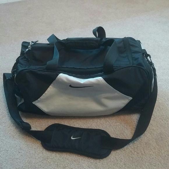 Nike Bags   Sale Duffle Bag   Poshmark 6b917e217d