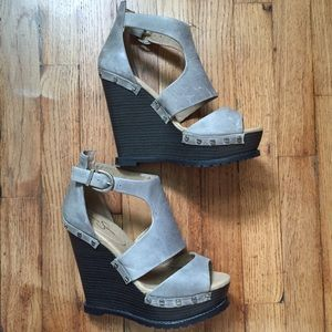 Jessica Simpson wedge heel