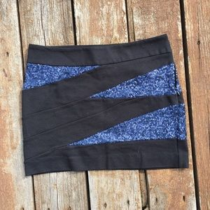 Express Black and Blue/Navy Sequin Skirt Size 00