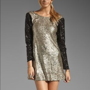 Lovers + Friends Dresses & Skirts - Lovers + Friend sequin party dress