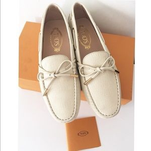 Tod's Shoes - 🎉HP🎉NIB Auth Tod's moccasin shoes SZ 38