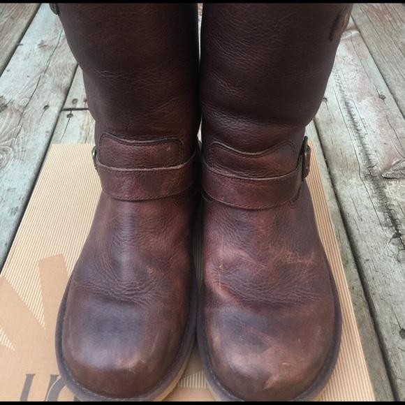 cefea483429 UGG Australia women's Sutter casual boot size 8