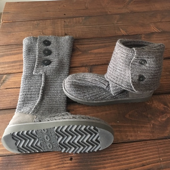 55405454e43 Ugg Foldover Sweater Boot in Grey. Size 10