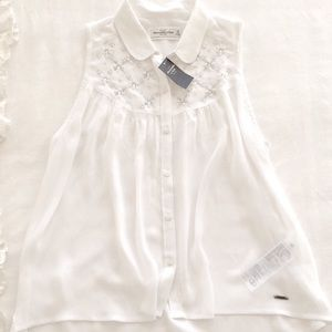 Abercrombie & Fitch Tops - 🆕 Abercrombie embroidered blouse