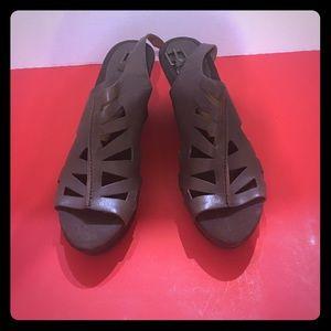Women dress shoes -- Nine West size 7.5