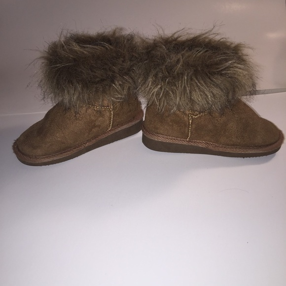 66% off UGG Other - Ugg like boots girls size 8 from ! courtney's ...