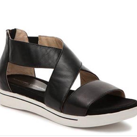 4acaecb40616 Adrienne Vittadini Shoes - Adrienne Vittadini Claud Sandal size 8