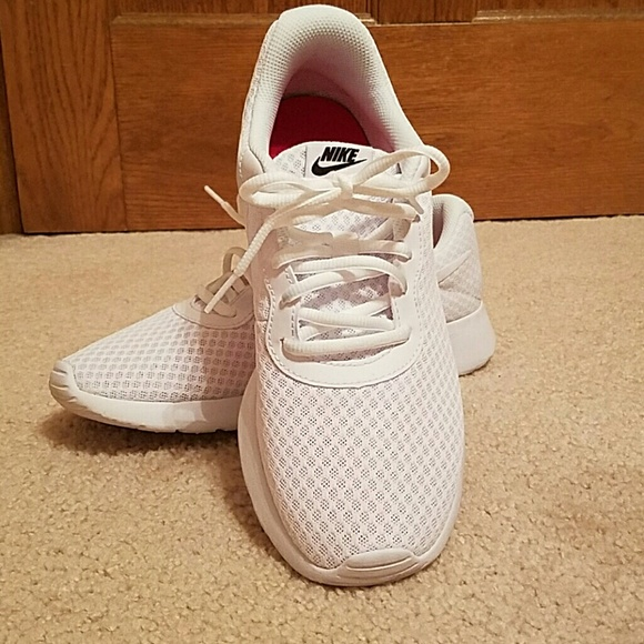 Nike Shoes | Womens Nike White Comfort